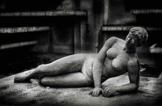 Joaquín García Donoso Mujer desnuda estatua plaza de la provincia Cuidad Real Eufrasio Saluditero Frankenstein's love letters